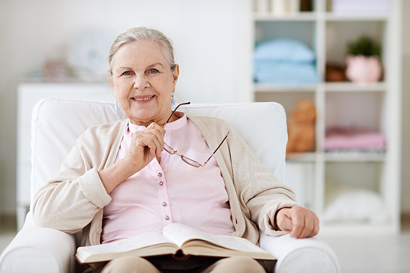 Image of a healthy older woman. Healthy aging resources.